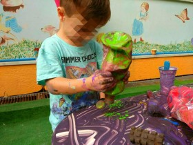 Messy Play! (2)